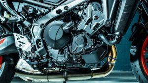 Travelmoto test the Yamaha MT-09 2021 - Japan's dark side strikes back! 2